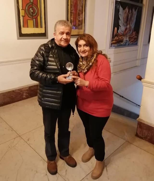 JUAN PEDRO RIBAS Y NIVIA GAZZANEO, tras la entrega del Premio CX para su Fundación.